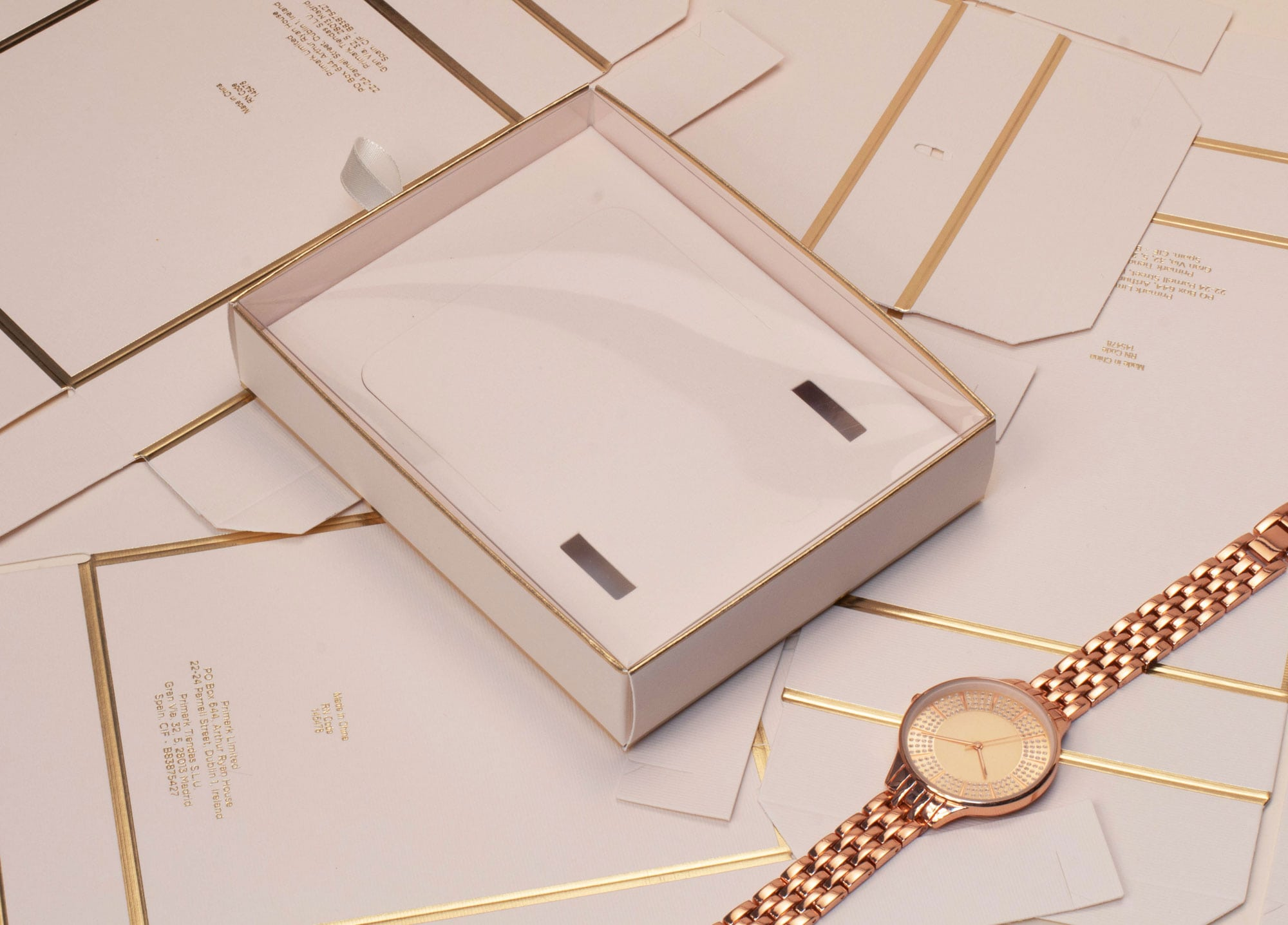 We create accessory packaging for Peers Hardy