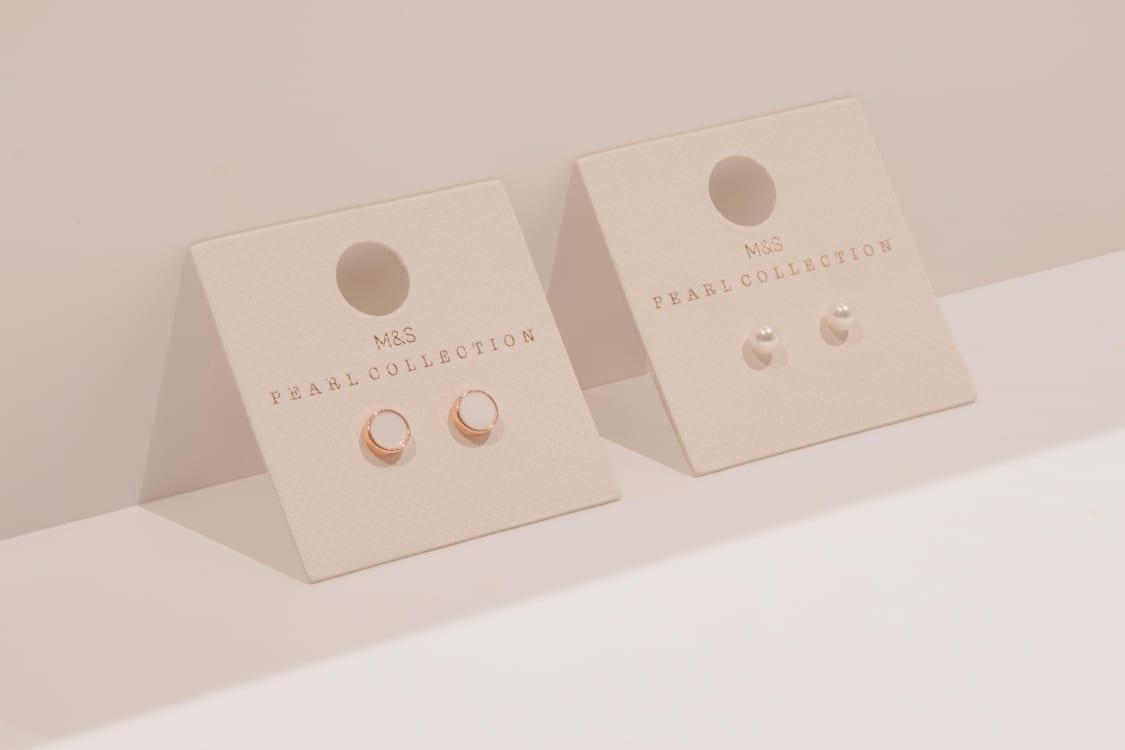 Jewellery carding is versatile